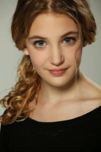 b284368bd5785b2294f2e58ab8398a57--sophie-nelisse-the-book-thief